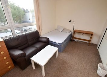 Room to rent in Munster Square, London NW1