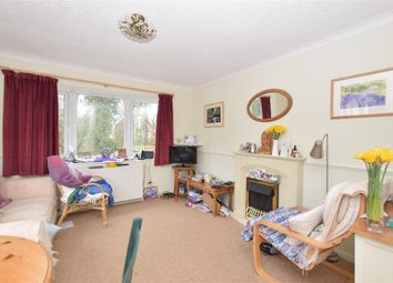 Thumbnail 1 bed mobile/park home for sale in Broadway Park, The Causeway, Petersfield, Hampshire