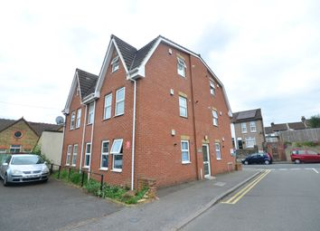 1 bed flat to rent in Cecil Avenue, Strood, Rochester ME2