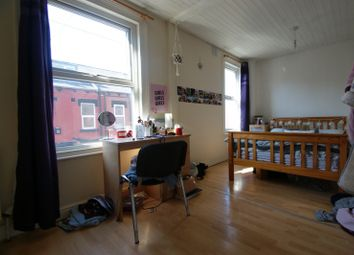 2 bed terraced house to rent in Thornville Avenue, Hyde Park, Leeds LS6