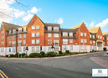 Thumbnail 3 bed flat to rent in Willow Walk, Walthamstow