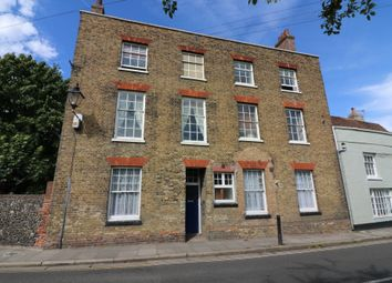 Thumbnail 1 bed flat to rent in New Street, Sandwich