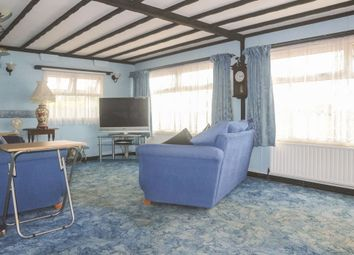 2 bed mobile/park home for sale in Bayworth Park, Bayworth, Abingdon OX13