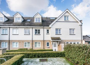 Thumbnail 2 bedroom flat to rent in Sunnymede, Chigwell