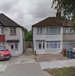 Thumbnail Studio to rent in Welbeck Road, Harrow