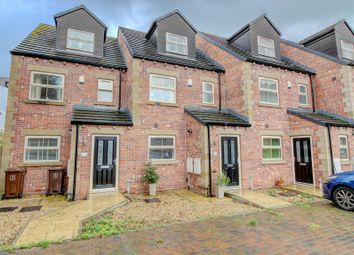 Thumbnail 4 bed town house for sale in Cedar View, Wakefield