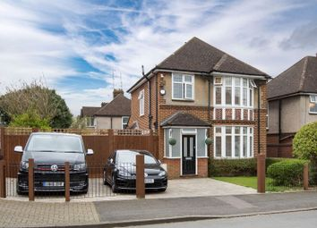 Thumbnail 3 bed detached house for sale in Elmwood Crescent, Luton