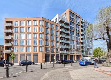 Thumbnail 3 bed flat to rent in Lee Street, Haggerston
