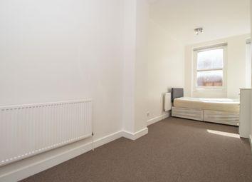 Thumbnail 3 bed flat to rent in Hanbury Street, London