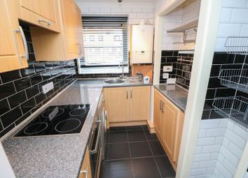 2 bed flat to rent in Adelaide Court, Gateshead NE8