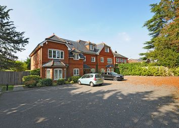 Thumbnail 2 bed flat to rent in Finchampstead Road, Wokingham