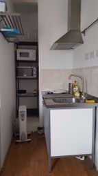 Thumbnail Terraced house to rent in Walworth Road, Kennington