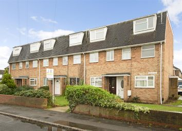 2 bed maisonette to rent in Bower Way, Cippenham, Slough SL1