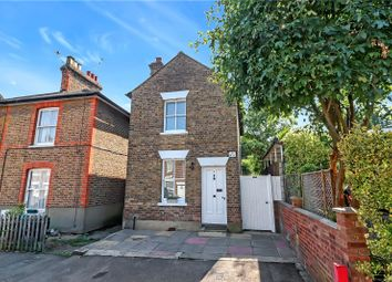 Nascot Place, Watford WD17. 2 bed detached house