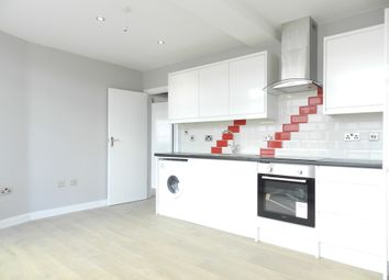 1 bed flat to rent in The Broadway, Crawley RH10