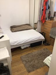 Thumbnail Studio to rent in Falmouth Road, Elephant And Castle
