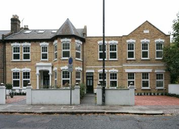 Thumbnail 2 bedroom flat for sale in West Green Road, Turnpike Lane