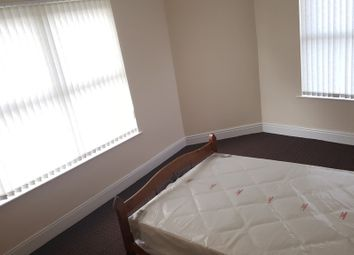Thumbnail 4 bed shared accommodation to rent in Chippinghouse Road, Sheffield