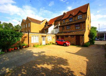 Thumbnail Studio to rent in High Street, Iver, Buckinghamshire