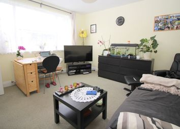 Thumbnail 1 bed flat to rent in New Farm Road, Alresford