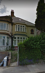 Thumbnail 1 bed flat to rent in Asburnham Road, Luton