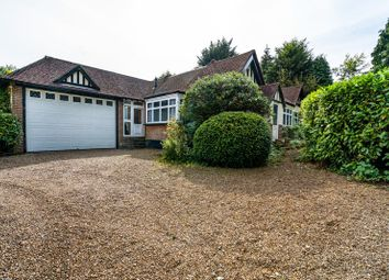 Southview Road, Woldingham, Caterham, Surrey CR3. 4 bed country house
