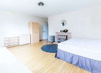 Thumbnail 3 bed flat to rent in Castle Road, London