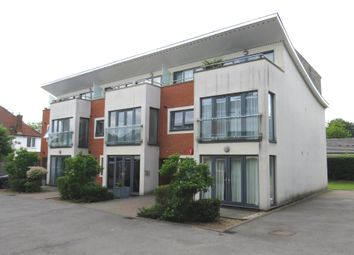 2 bed flat for sale in Skyline Mews, High Wycombe HP12