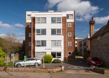 2 bed flat for sale in Heene Road, Worthing BN11