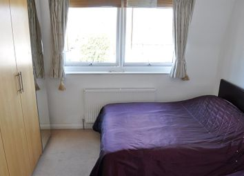 Thumbnail 1 bed flat to rent in Long Lane, Finchley Central, London
