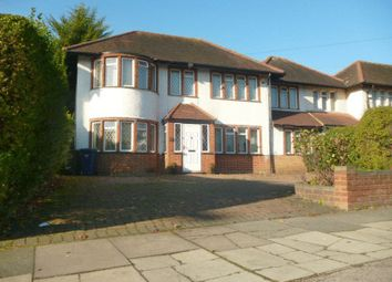 4 bed link-detached house for sale in Selvage Lane, London NW7