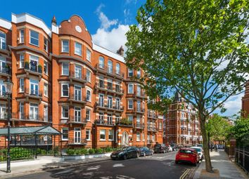 Thumbnail 2 bed flat for sale in Cadogan Gardens, Sloane Square