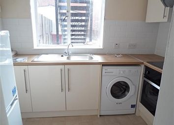Thumbnail 1 bed flat to rent in Oxford Road, Reading, Berkshire