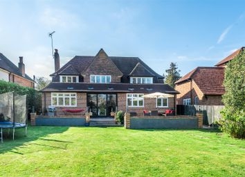 Thumbnail 4 bed detached house for sale in Fearn Close, East Horsley, Leatherhead