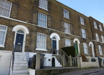 2 bed flat to rent in London Road, Dover CT17