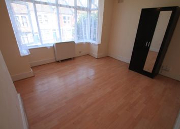 Thumbnail 1 bed flat to rent in Russell Rise, Luton