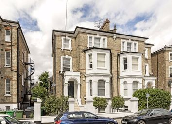 2 bed flat to rent in St. Philips Road, Surbiton KT6