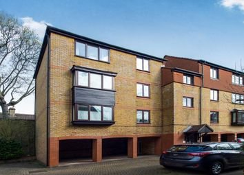 Thumbnail 1 bed flat to rent in Greyhound Road, Sutton