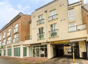 Thumbnail 1 bed flat to rent in Cowleaze Road, Kingston