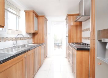 Thumbnail 3 bed flat to rent in Avenue Road, North Finchley