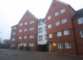 Thumbnail 2 bedroom flat to rent in Tower Close, East Grinstead