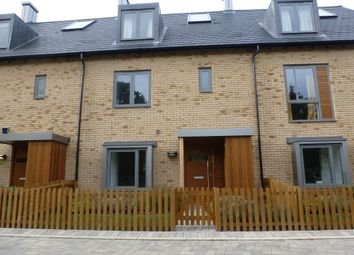 4 bed town house to rent in Spring Drive, Trumpington, Cambridge CB2