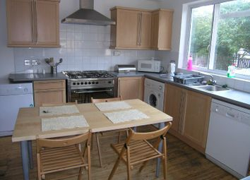 Thumbnail 6 bed flat to rent in Ancaster Road, Weetwood, Leeds