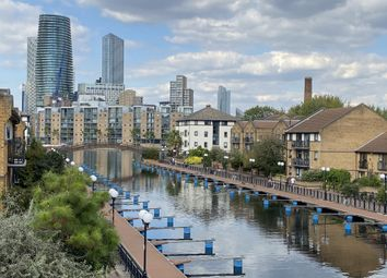 2 bed flat to rent in Whiteadder Way, Clippers Quay, Isle Of Dogs London E14
