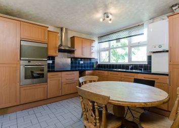 Thumbnail 2 bed flat to rent in Este Road, Battersea, London