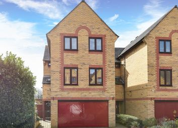Thumbnail 5 bed detached house for sale in Standring Place, Aylesbury
