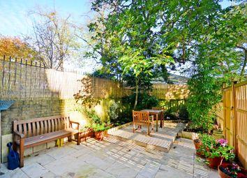 Thumbnail 2 bed maisonette to rent in Brecknock Road, Tufnell Park, London N70Db