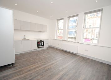 Thumbnail 2 bedroom flat to rent in Broadway Parade, Crouch End