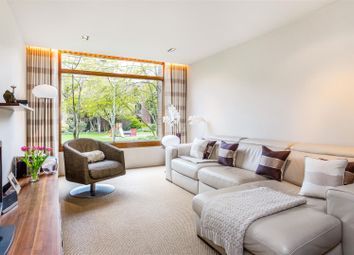 Thumbnail 2 bed flat for sale in Brandon Mews, Barbican, London