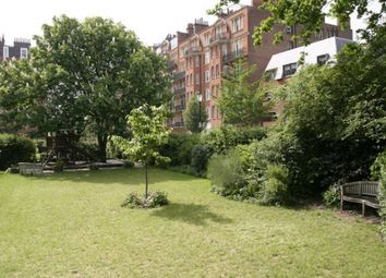 Thumbnail 1 bedroom property to rent in Oakwood Court, Abbotsbury Road, Holland Park, London